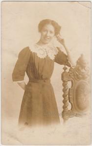Loretta Young Lookalike pc1